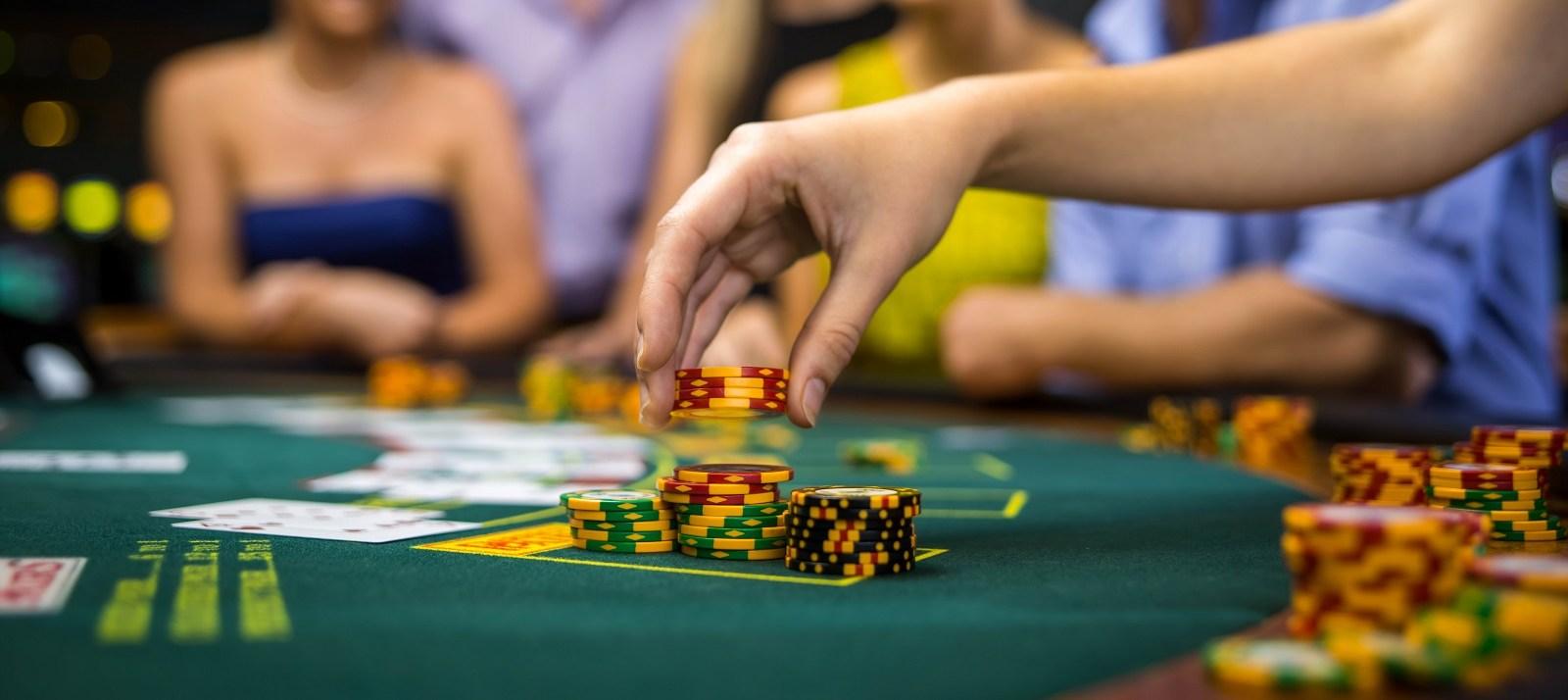 Casino en ligne : est-ce mal vu par vos proches ?
