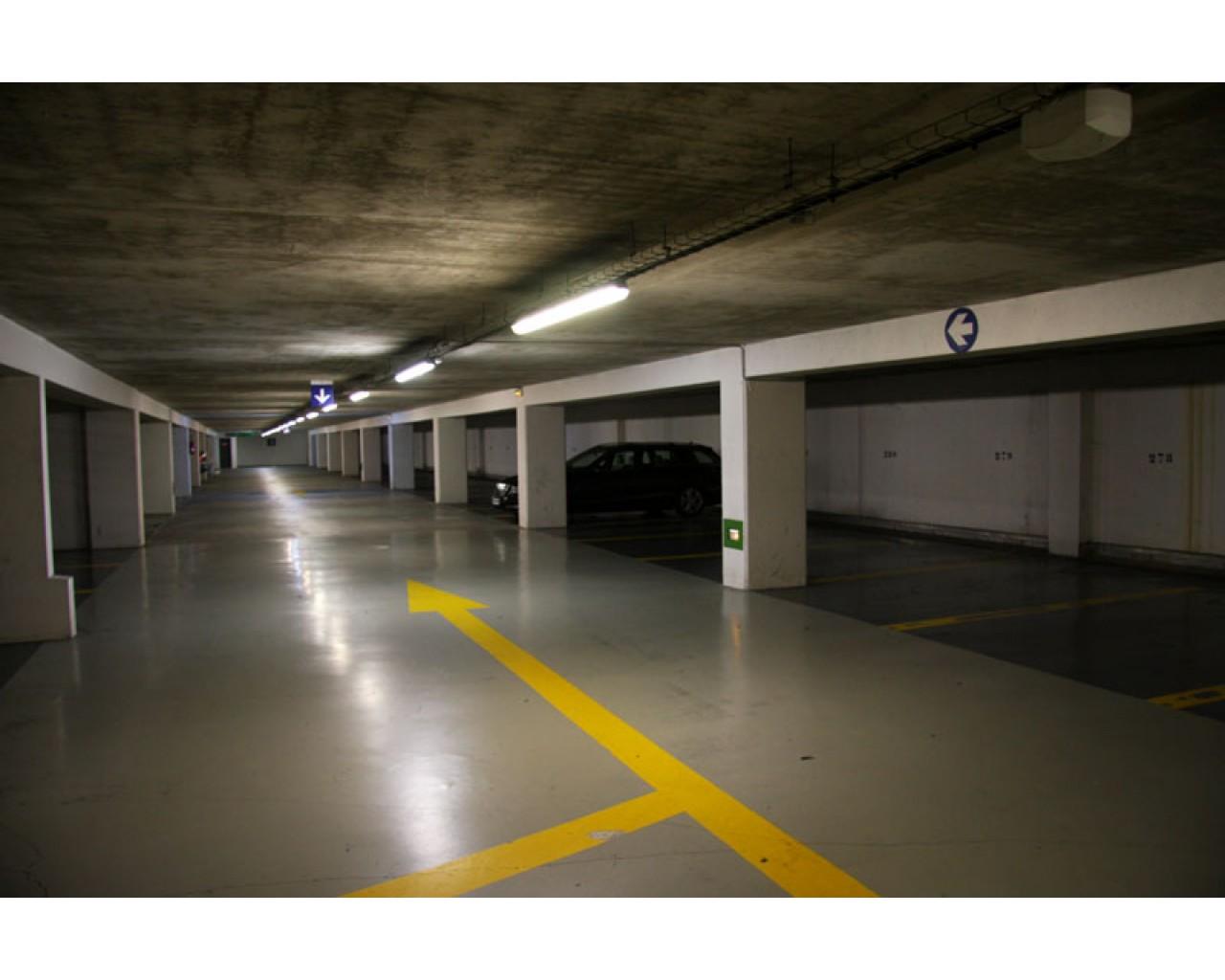 Négocier une location parking auprès d'un professionnel