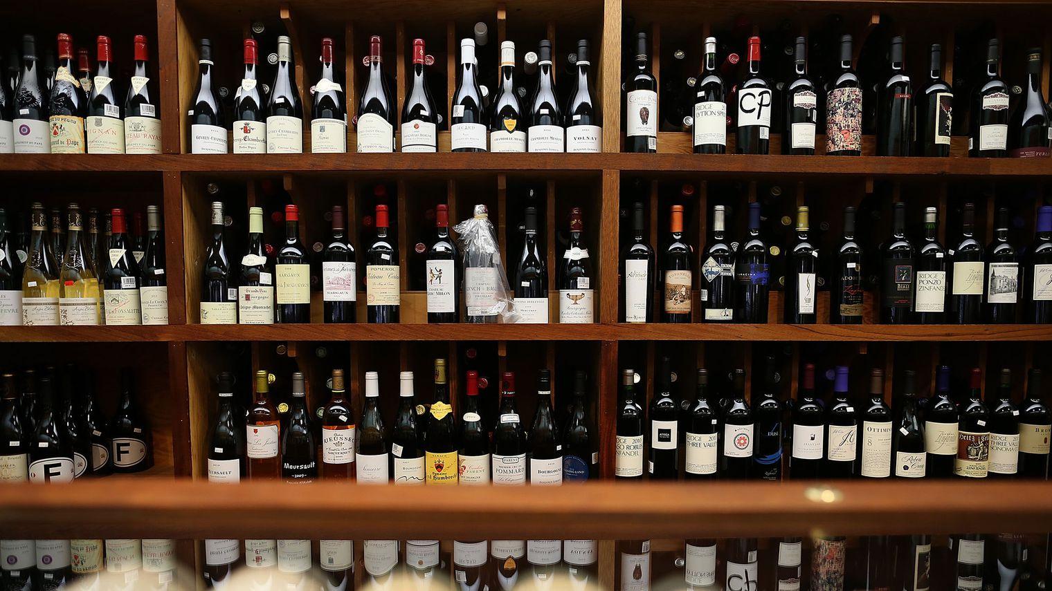 Investir dans le vin: astuces et conseils